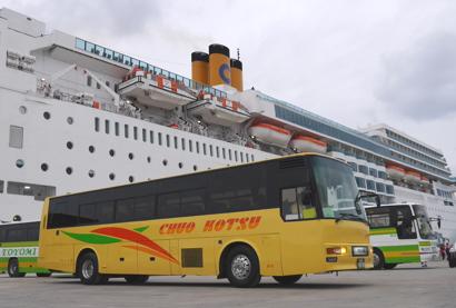 宮古島で唯一の黄色いバスです